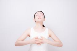 呼吸が浅いと疲労が抜けない? 自分の呼吸をチェックする方法とは